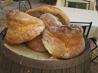 アルタムーラ伝統のパン