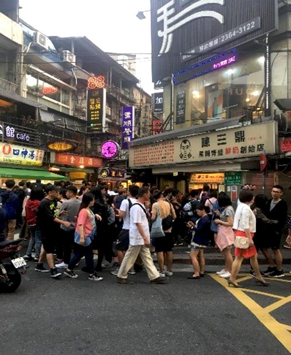 台北で人気のタピオカミルクティー店
